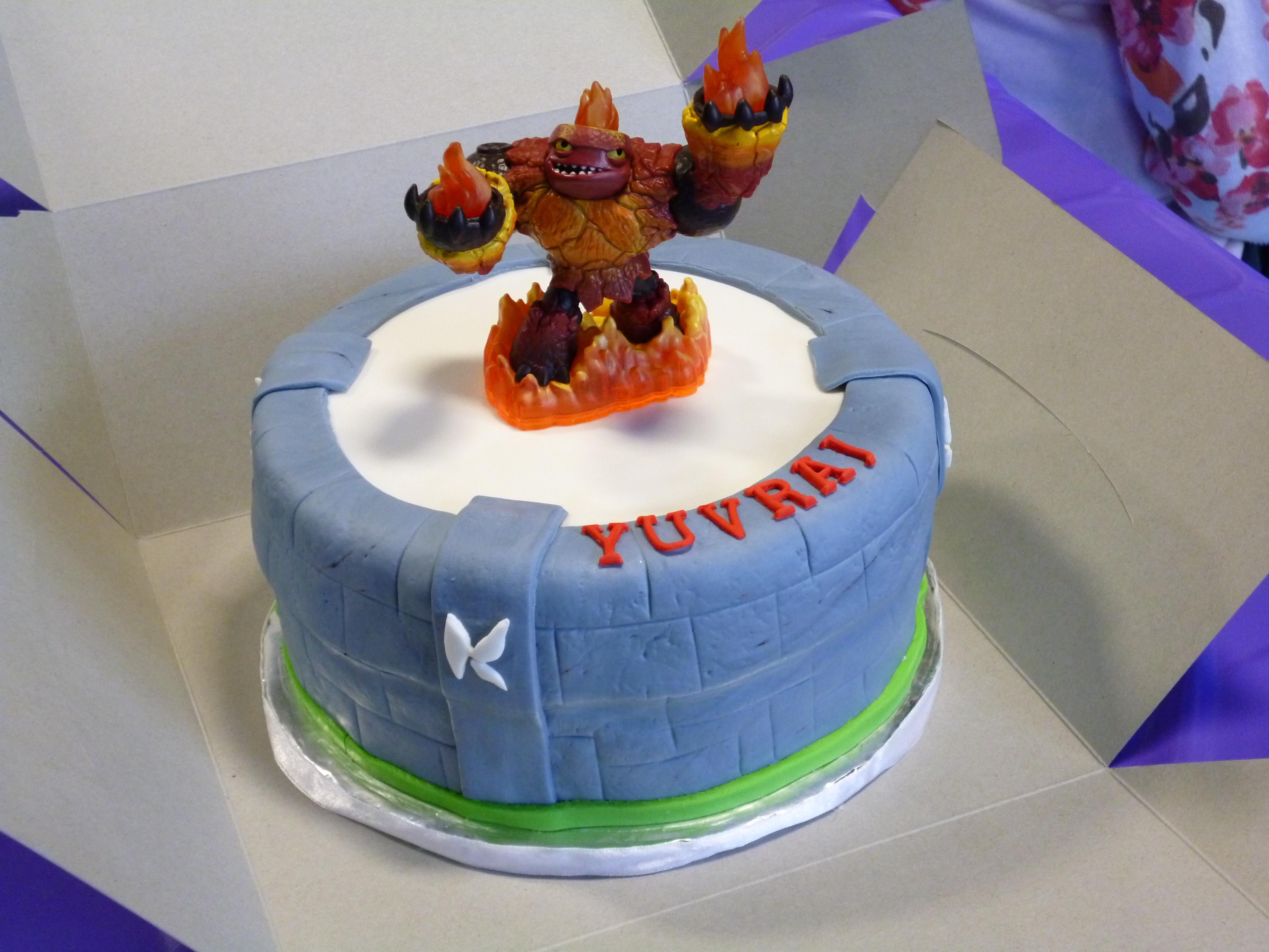 how to make a skylanders portal cake