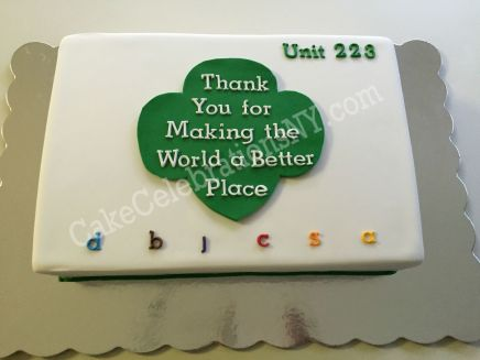 girl-scouts-trefoil-cake
